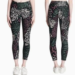 Calvin Klein Pants - Calvin Klein Performance ✨ cropped leggings